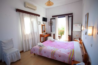 accommodation villa zacharo room with view (2)