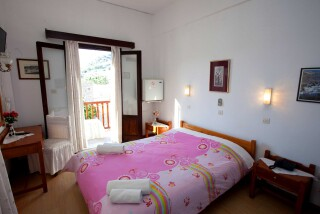 accommodation-villa-zacharo-bedroom-05