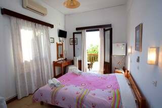 accommodation-villa-zacharo-bedroom-06