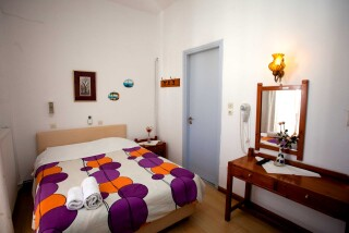 accommodation-villa-zacharo-big-bedroom