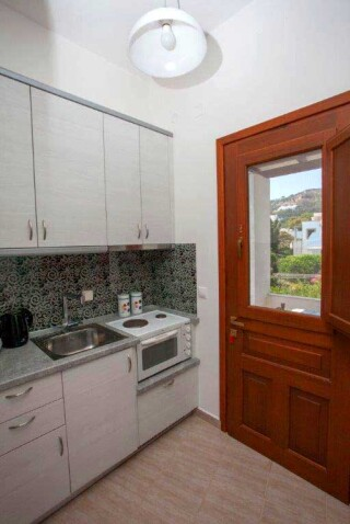 accommodation-villa-zacharo-kitchen