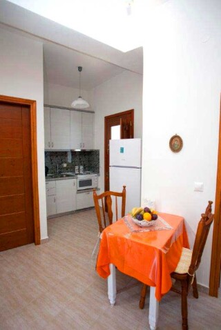 accommodation-villa-zacharo-kitchenette