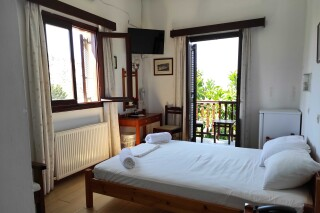 accommodation villa zacharo renovated room