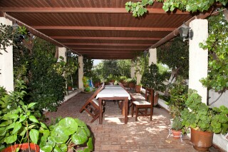 facilities-villa-zacharo-garden-grounds